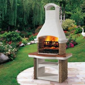 Садовая печь на площадке для отдыха