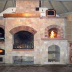 Барбекю печь из трех очагов с облицовкой камнем