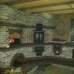 дом с барбекю печью с мангалом казаном и русской печью