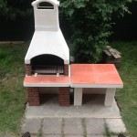 барбекю печька из бетона со столешницей