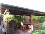 летняя кухня с мангалом и зоной отдыха