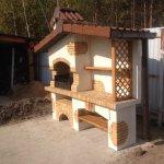 фотография мангала барбекю с крышей из кирпича