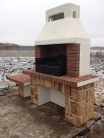 Барбекю печка на открытой площадке может работать даже зимой