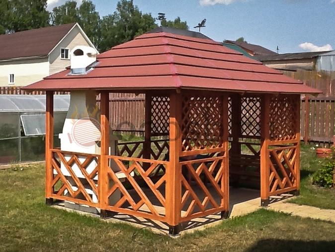 Садовая деревянная беседка – лучшее украшение дачного участка