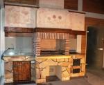 Кухонная барбекю зона с мангалом