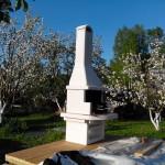 садовая печь барбекю из керамзита и бетона