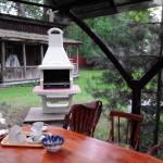 красивая бетонная барбекюшница для дачи