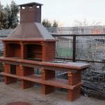 Печка барбекю из кирпича на улице