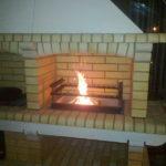 готовая барбекю печь работающая на дровах