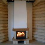 Небольшой камин для деревянного дома
