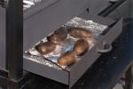 зольный ящик в мангале для запекания картофеля