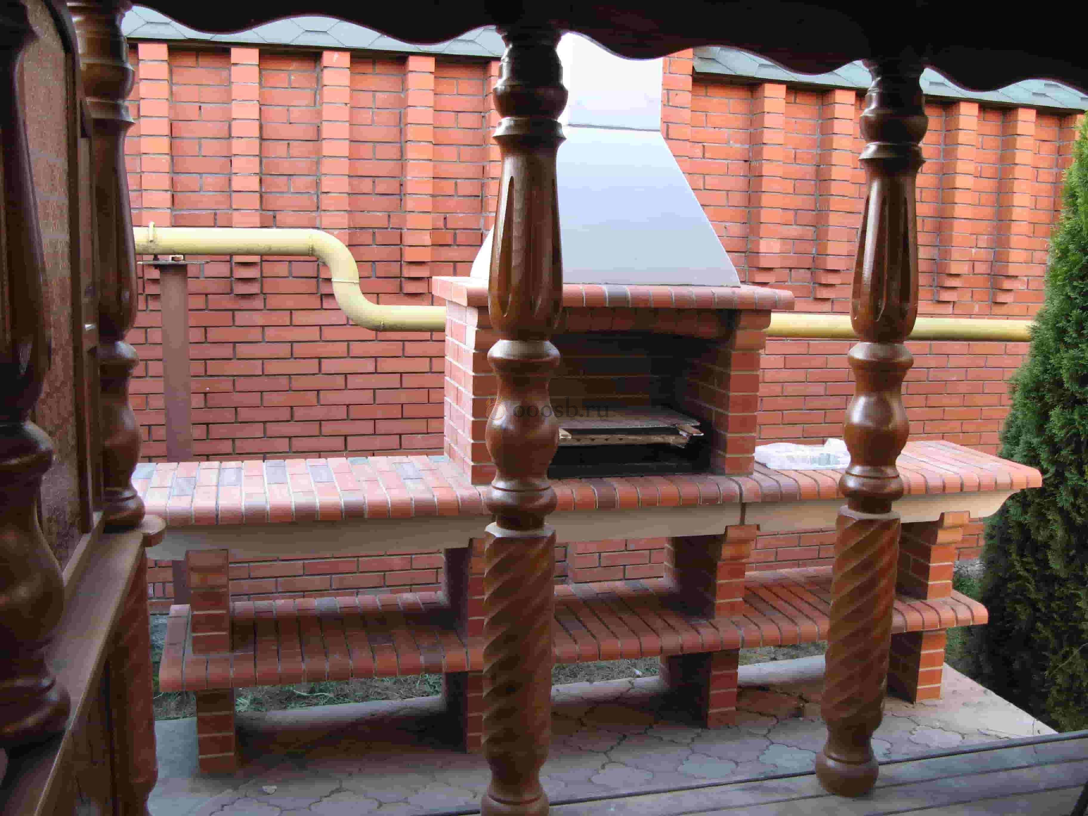 уличная печь с коптильней и мангалом
