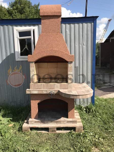 бетонная барбекю печь со столом